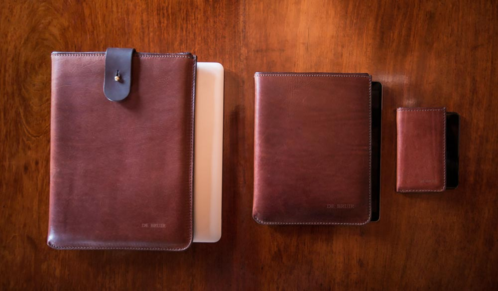 Gifts for men: DE BRUIR iPad Sleeve