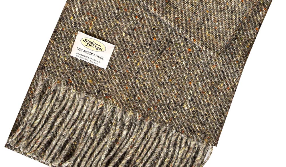 Gifts for men: Studio Donegal Merino Scarf